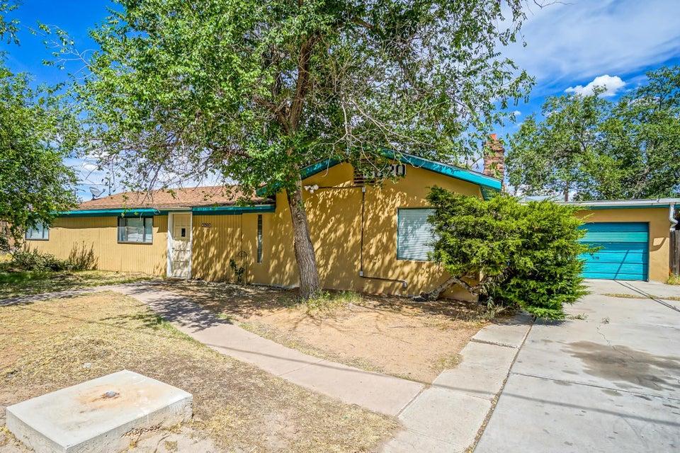 4620 9th Street NW, Albuquerque, NM 87107