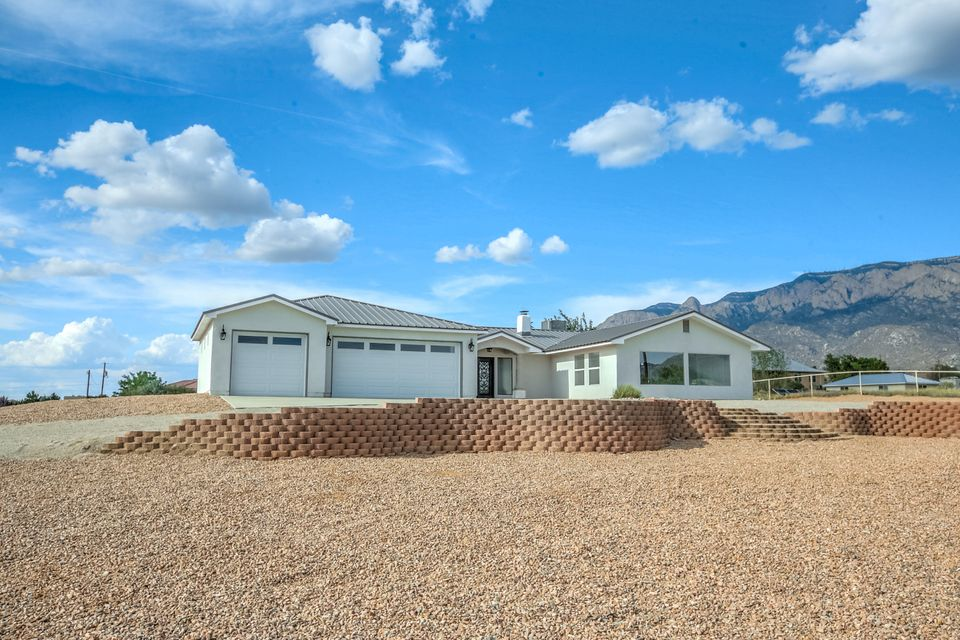 10811 Del Rey Avenue NE, Albuquerque, NM 87122