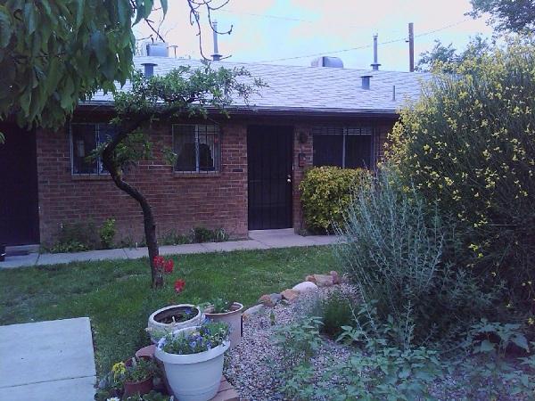 515 Valencia Drive SE 8, Albuquerque, NM 87108