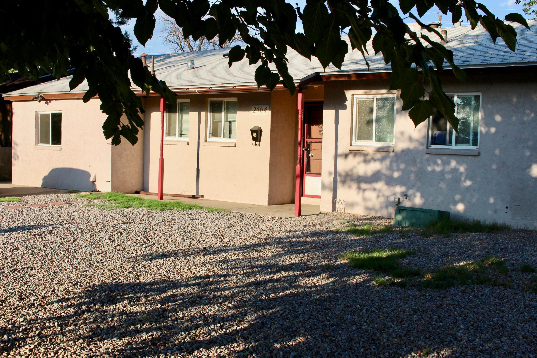 2704 Espanola Street NE, Albuquerque, NM 87110