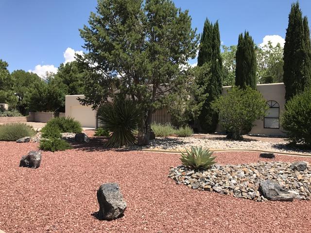 4910 Simon Drive NW, Albuquerque, NM 87114