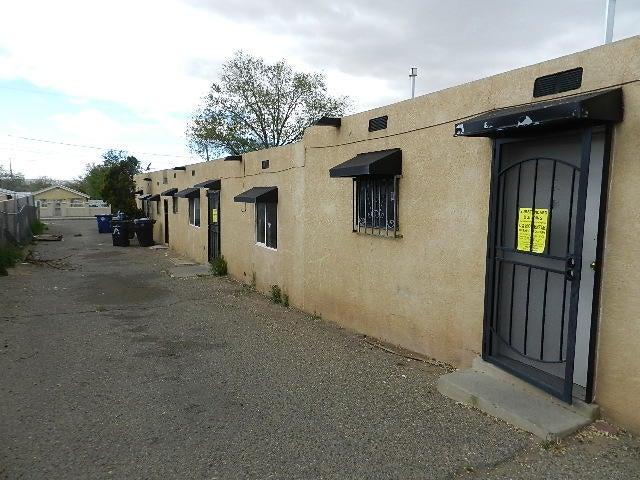 2114 John Street SE, Albuquerque, NM 87102