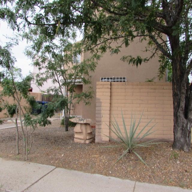 1844 Ash Street SE, Albuquerque, NM 87106