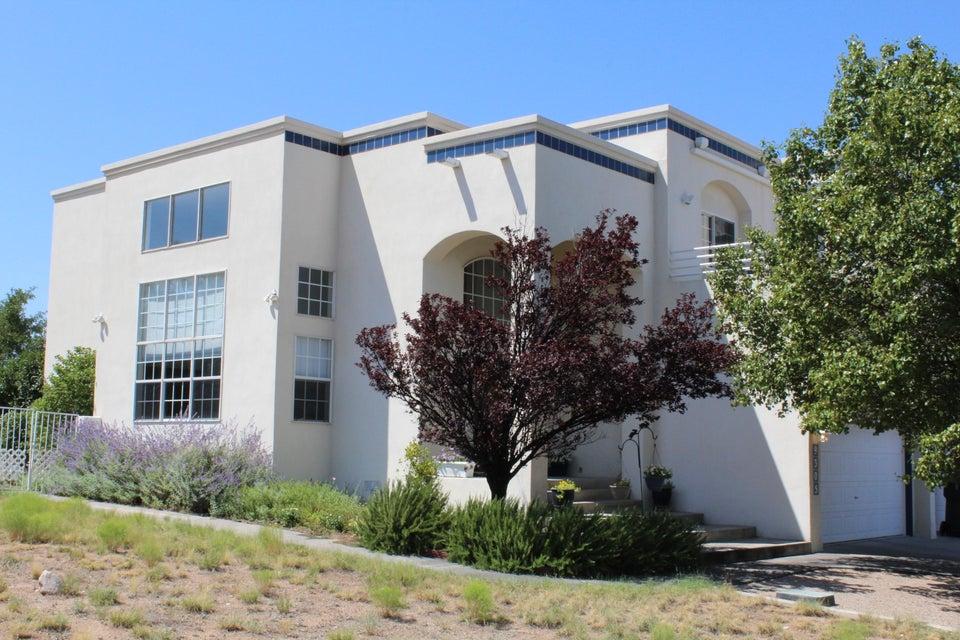 9305 Oakland Avenue NE, Albuquerque, NM 87122
