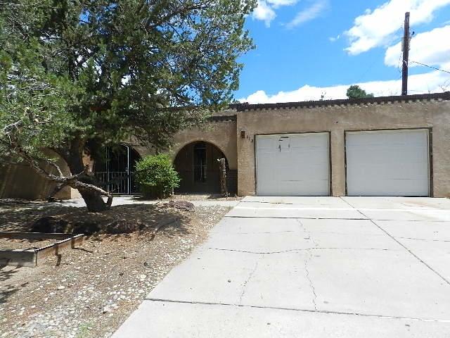 9113 Harwood Avenue NE, Albuquerque, NM 87111