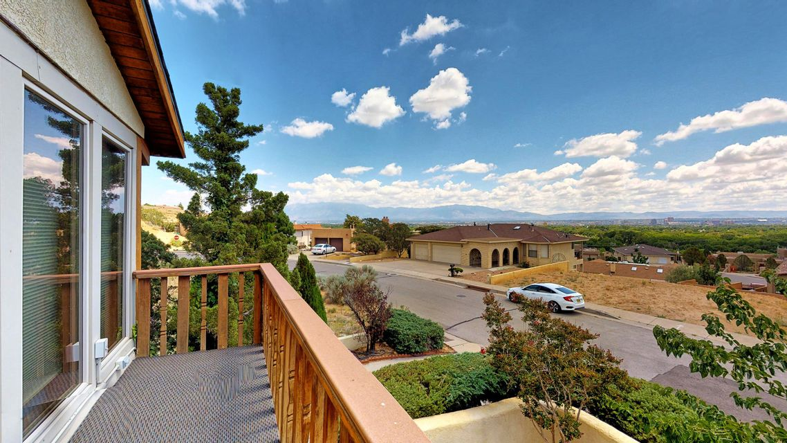 1809 Bluffside Drive NW, Albuquerque, NM 87105