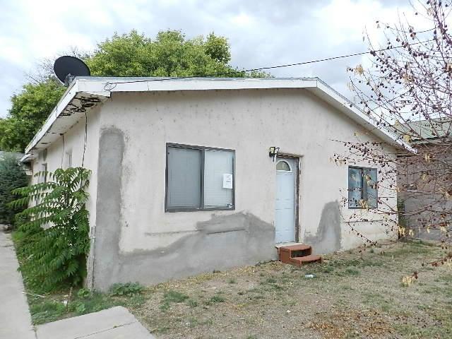 722 Arenal Road SW, Albuquerque, NM 87105