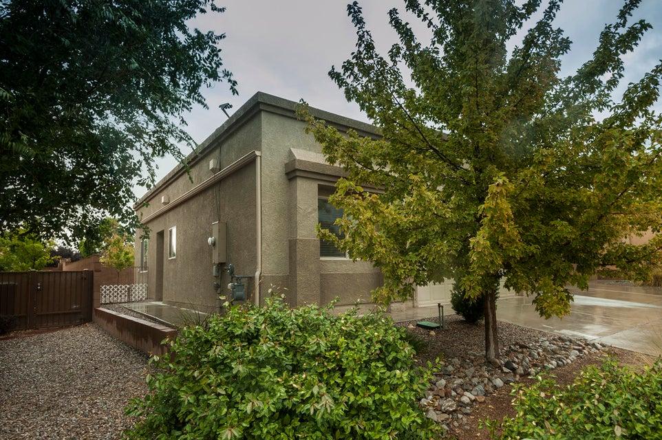 2245 Cortina Loop SE, Rio Rancho, NM 87124