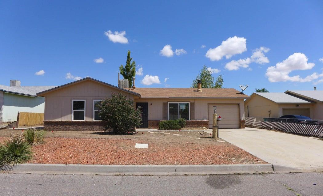 1633 Borealis Avenue SE, Rio Rancho, NM 87124