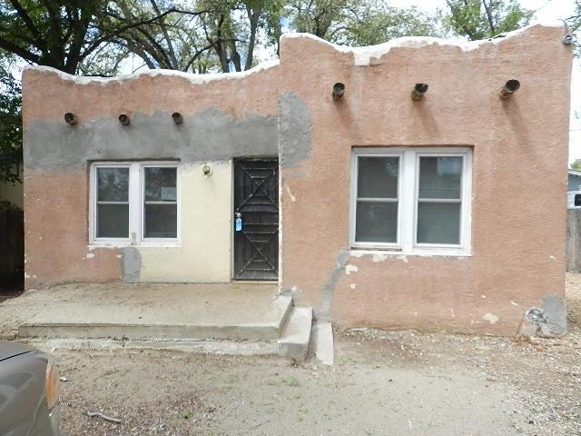 1123 La Vega Drive SW, Albuquerque, NM 87105