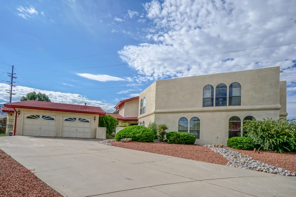 13236 Circulo Largo Court NE, Albuquerque, NM 87112