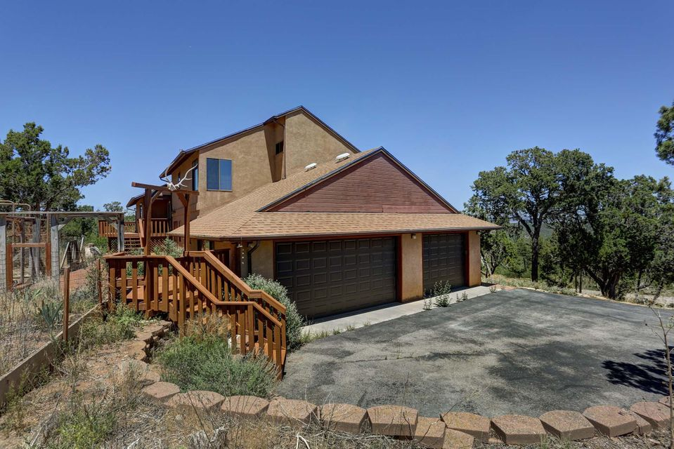 8 High Country Drive, Cedar Crest, NM 87008
