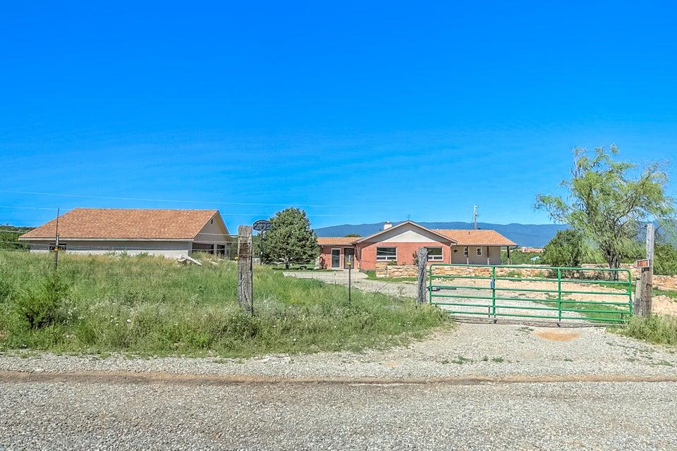 88 Five Hills Drive, Tijeras, NM 87059