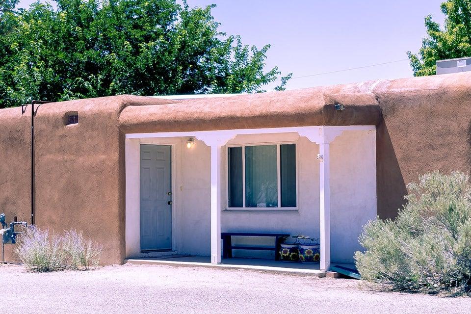 5837 El Prado Road NW, Los Ranchos, NM 87107