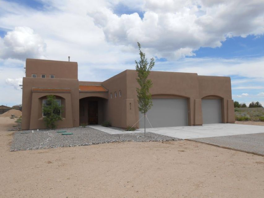812 6th Street NE, Rio Rancho, NM 87124