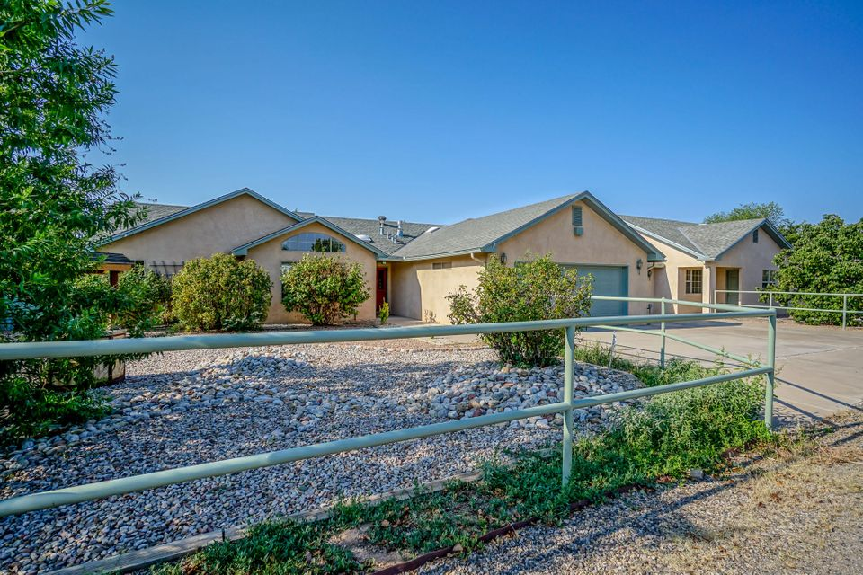 Albuquerque real estate and homes for sale albuquerque mls for Multigenerational homes for sale