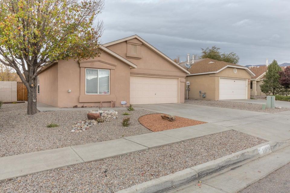 11601 Singing Arrow,Albuquerque,New Mexico,United States 87123,4 Bedrooms Bedrooms,2 BathroomsBathrooms,Residential,Singing Arrow,906381
