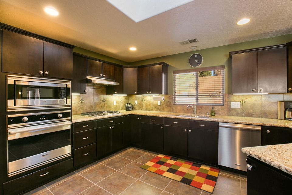 2000 Ferndale,Albuquerque,New Mexico,United States 87123,3 Bedrooms Bedrooms,3 BathroomsBathrooms,Residential,Ferndale,907329
