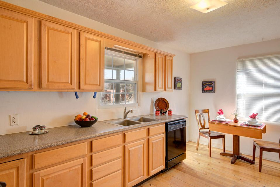1705 Anderson,Albuquerque,New Mexico,United States 87108,2 Bedrooms Bedrooms,1 BathroomBathrooms,Residential,Anderson,909735