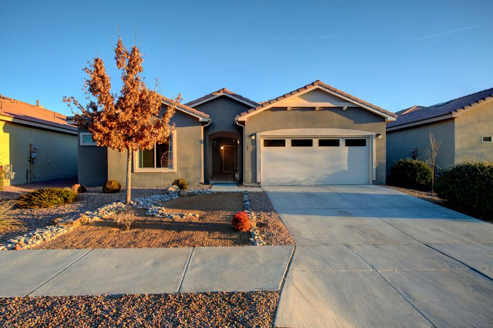 948 Evening Primrose,Bernalillo,New Mexico,United States 87004,3 Bedrooms Bedrooms,3 BathroomsBathrooms,Residential,Evening Primrose,909980