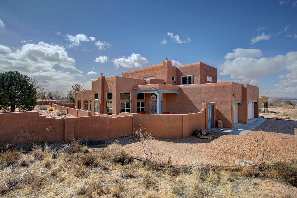 9400 Eagle Rock,Albuquerque,New Mexico,United States 87122,4 Bedrooms Bedrooms,3 BathroomsBathrooms,Residential,Eagle Rock,912302