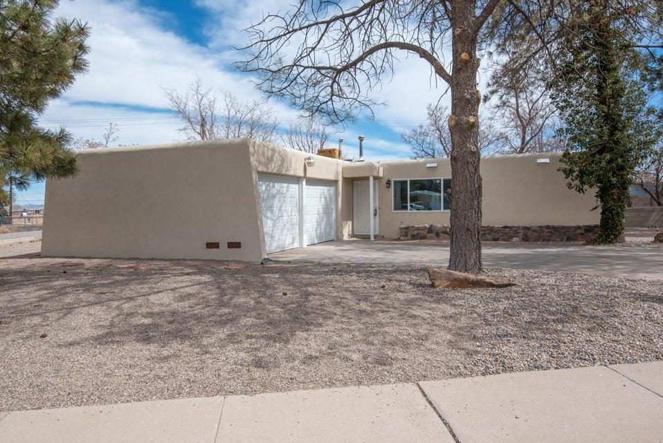 10304 Avenida Serena,Albuquerque,New Mexico,United States 87114,3 Bedrooms Bedrooms,2 BathroomsBathrooms,Residential,Avenida Serena,914278