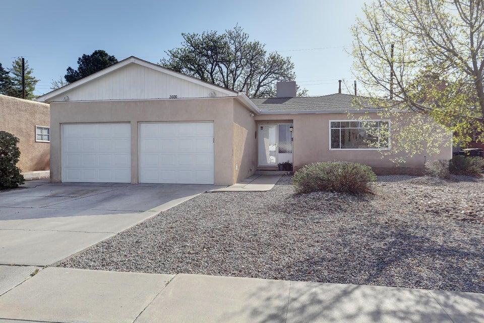 3600 Pitt,Albuquerque,New Mexico,United States 87111,4 Bedrooms Bedrooms,2 BathroomsBathrooms,Residential,Pitt,915588