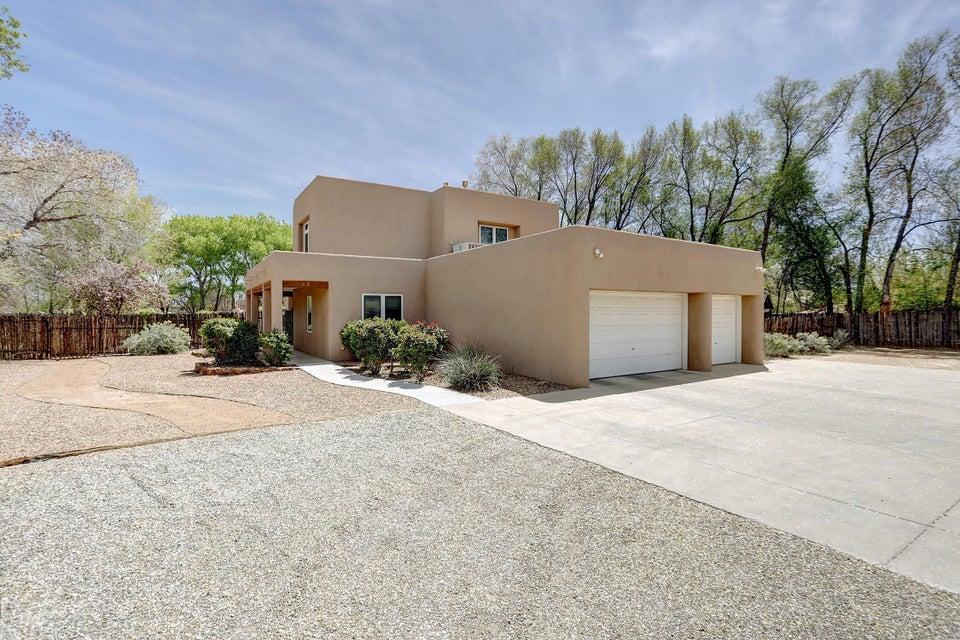 4310 De La Cruz,Albuquerque,New Mexico,United States 87107,4 Bedrooms Bedrooms,3 BathroomsBathrooms,Residential,De La Cruz,906988
