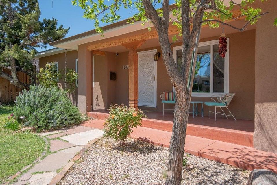 805 Manzano,Albuquerque,New Mexico,United States 87110,4 Bedrooms Bedrooms,3 BathroomsBathrooms,Residential,Manzano,917080