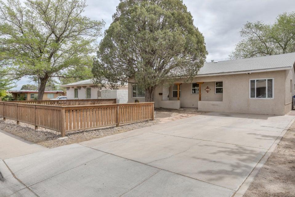 342 Washington,Albuquerque,New Mexico,United States 87108,2 Bedrooms Bedrooms,1 BathroomBathrooms,Residential,Washington,917479