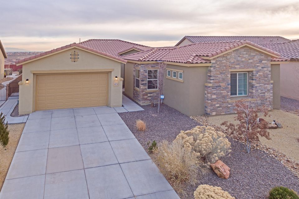 623 NE Vista Este Trail, Rio Rancho in Sandoval County, NM 87124 Home for Sale
