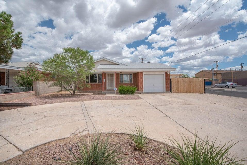 1044 San Pedro,Albuquerque,New Mexico,United States 87108,3 Bedrooms Bedrooms,2 BathroomsBathrooms,Residential,San Pedro,923302