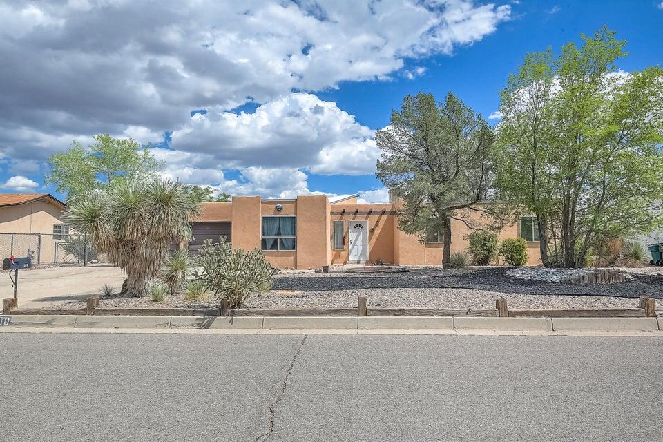 300 SE Cerro De Ortega Drive, Rio Rancho, New Mexico
