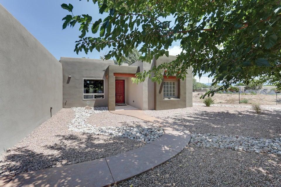 1909 Trocadero,Albuquerque,New Mexico,United States 87105,3 Bedrooms Bedrooms,2 BathroomsBathrooms,Residential,Trocadero,924404