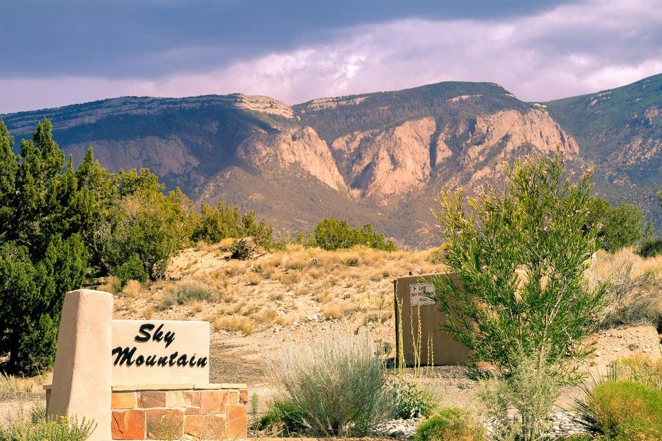 43 SKY MOUNTAIN ROAD, PLACITAS, NM 87043