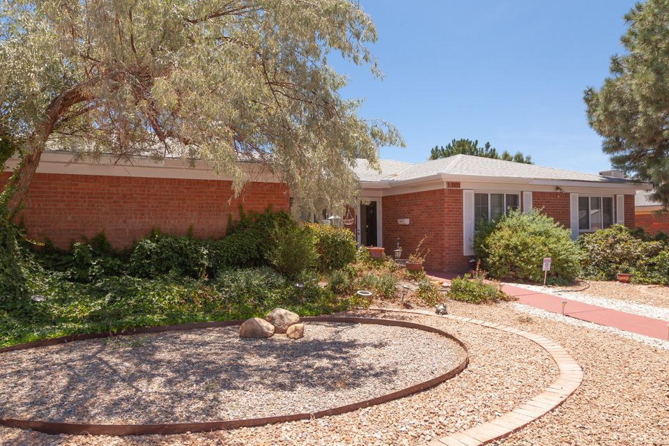 3232 NE Reina Drive, Albuquerque Northeast Heights, New Mexico
