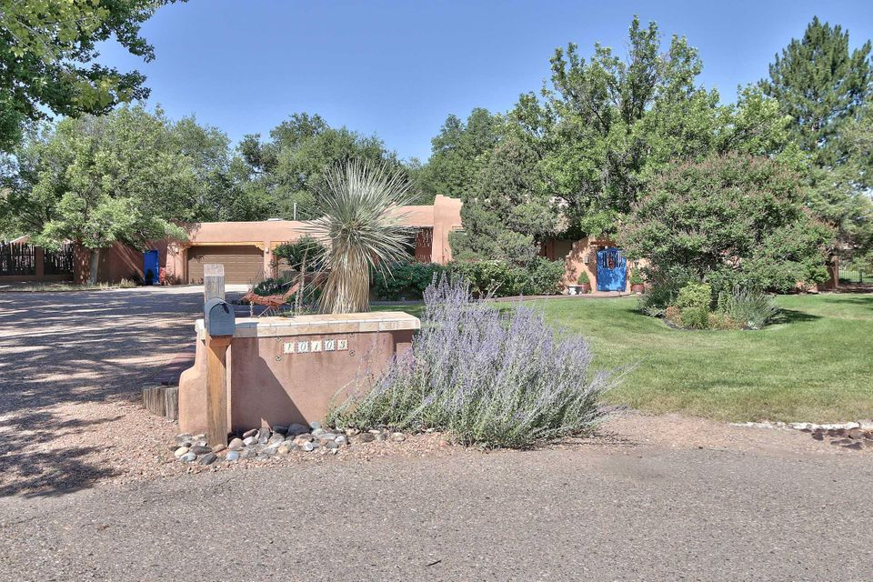 Northwest Albuquerque and Northwest Heights Homes for Sale -  Horse,  10103 NW Rio Del Norte Court