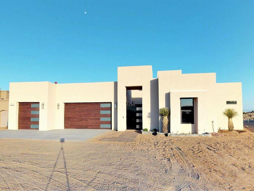 2111 NE Chessman Drive, Rio Rancho, New Mexico