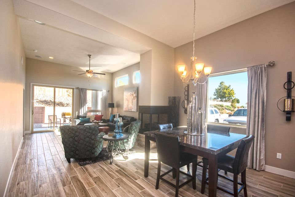 3229 SE OAKMOUNT Drive, Rio Rancho, New Mexico