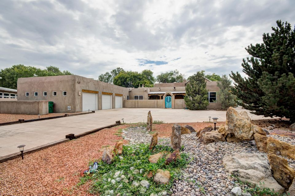 1708 NW Rusty Road, Northwest Albuquerque and Northwest Heights, New Mexico