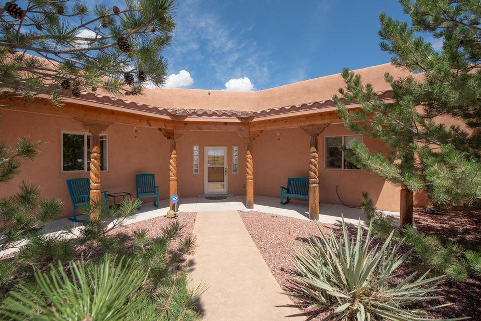 721 NE Marble Sky Avenue, one of homes for sale in Rio Rancho