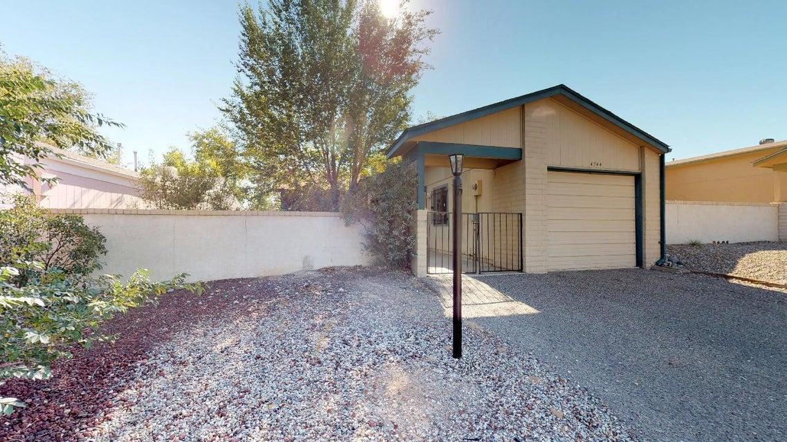 4744 NE Platinum Drive, Rio Rancho, New Mexico