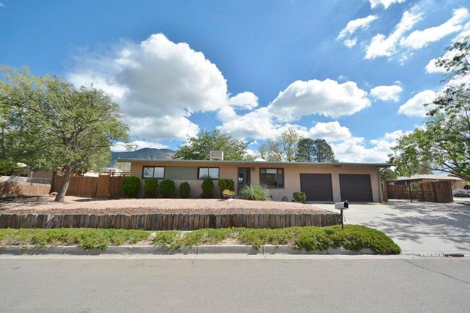 2500 NE La Charles Drive, Albuquerque Northeast Heights, New Mexico