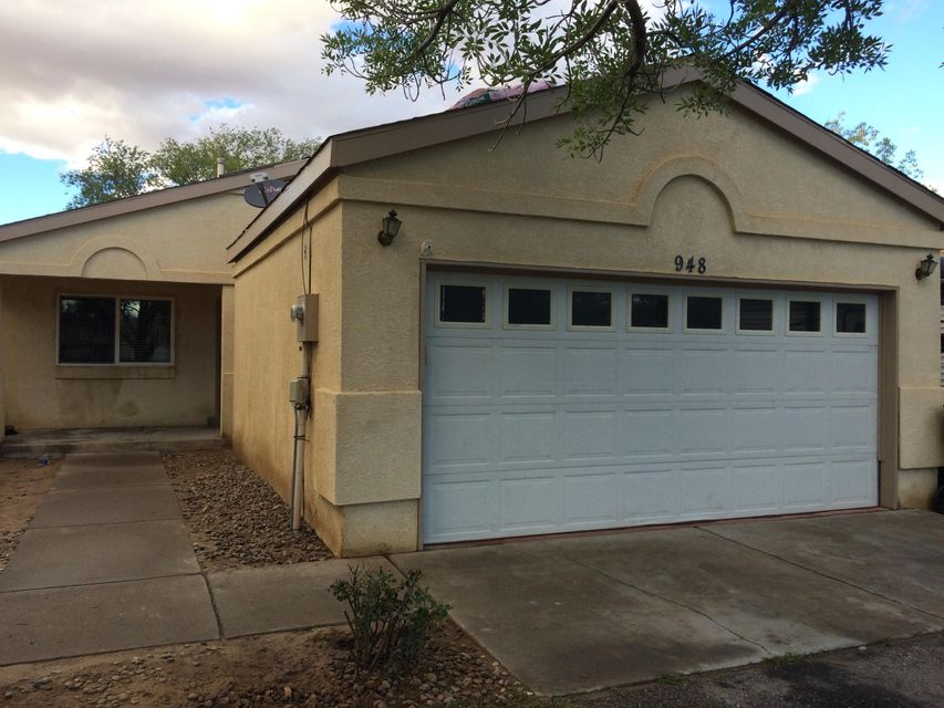 948 NE Charles Drive, Rio Rancho in Sandoval County, NM 87144 Home for Sale
