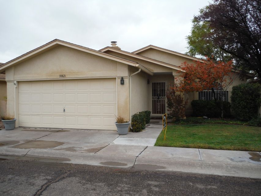 10821 NE Clyburn Park Drive, Albuquerque Northeast Heights in Bernalillo County, NM 87123 Home for Sale