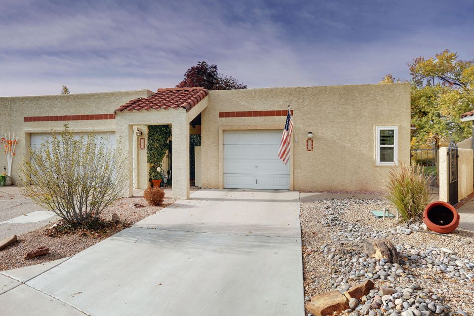 608 SE Eastlake Drive, one of homes for sale in Rio Rancho