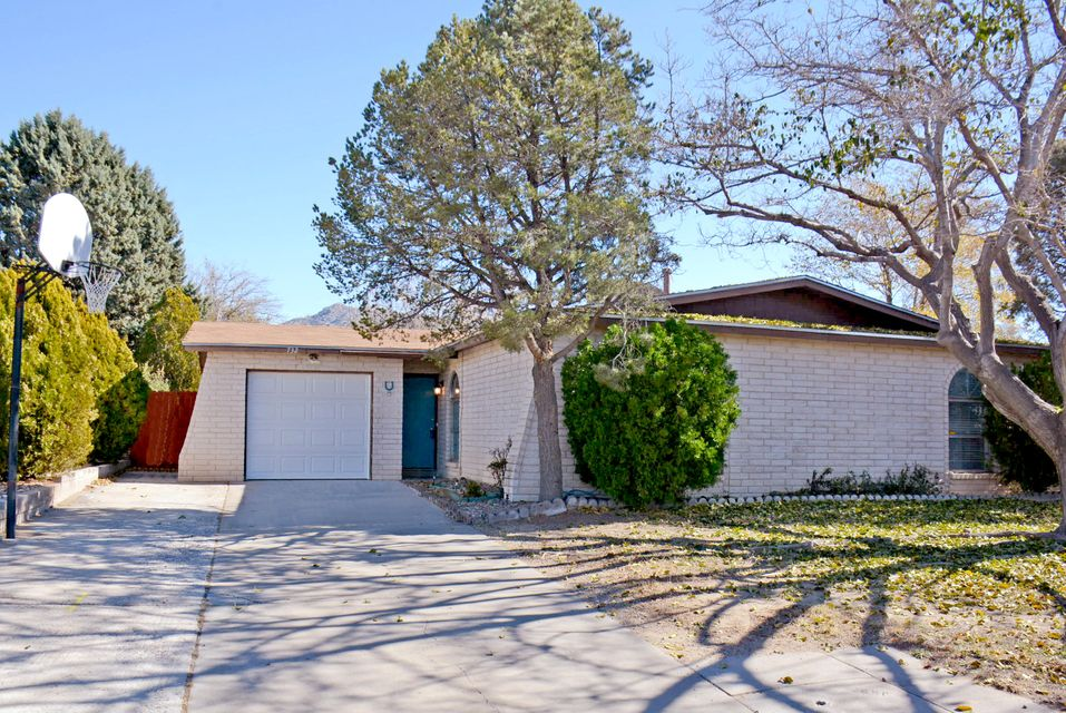 732 NE Landman Place, Albuquerque Northeast Heights in Bernalillo County, NM 87123 Home for Sale