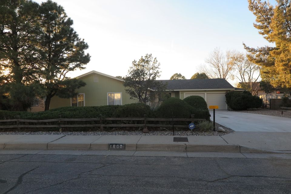1809 NE Paige Place, Albuquerque Northeast Heights, New Mexico