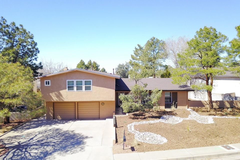 7921TRAIL CHARGER TRAIL NE, ALBUQUERQUE, NM 87109