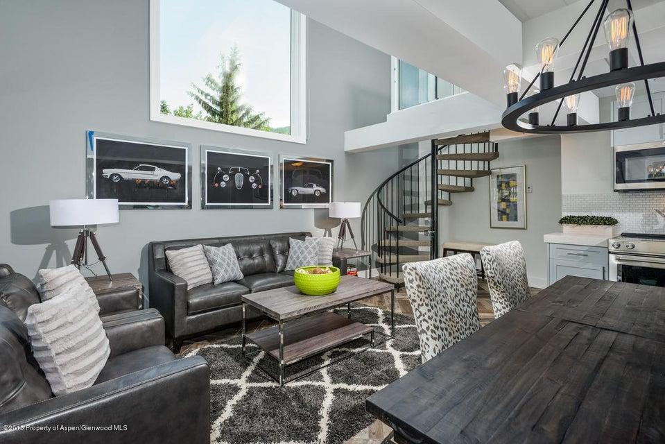 1024 Cooper Avenue,Aspen,Colorado 81611,2 Bedrooms Bedrooms,2 BathroomsBathrooms,Residential Rentals,Cooper,140506